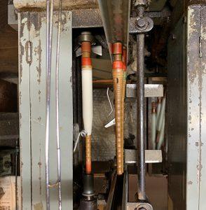 白生地の管巻きの機械